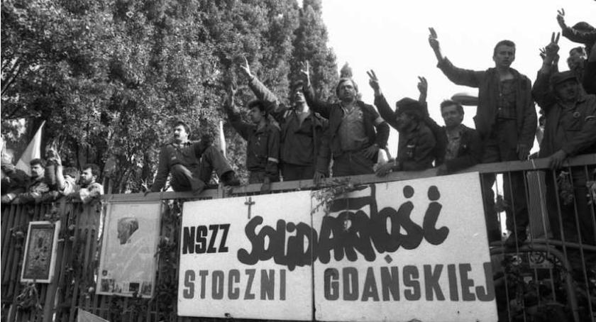 Historia, Oświadczenie Mazowieckiej Wspólnoty Samorządowej rocznicę Wydarzeń Sierpniowych - zdjęcie, fotografia