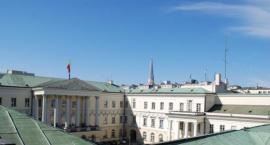 Polska to nie partia. Rozmowa z Piotrem Strzemboszem